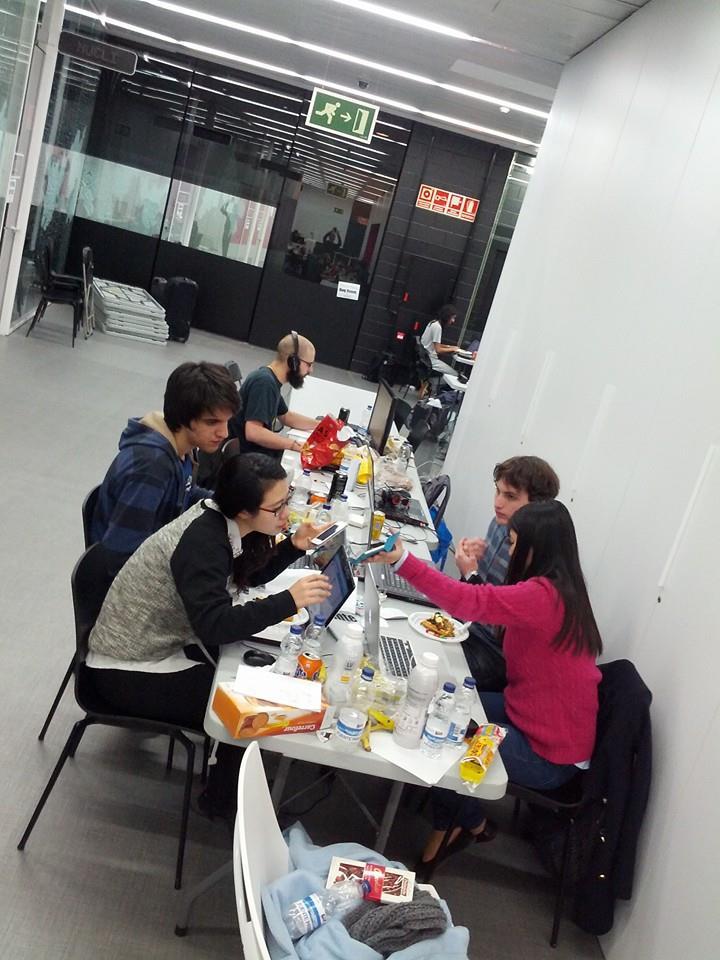 programando_proyecto_kairoshack_2015